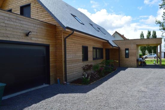 Maison bois traditionnelle et moderne djsl bois for Maison contemporaine bois