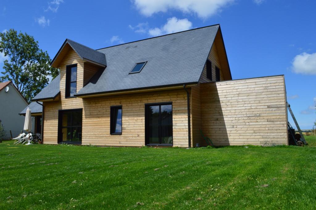 Maison bois traditionnelle et moderne djsl bois for Maison bois moderne
