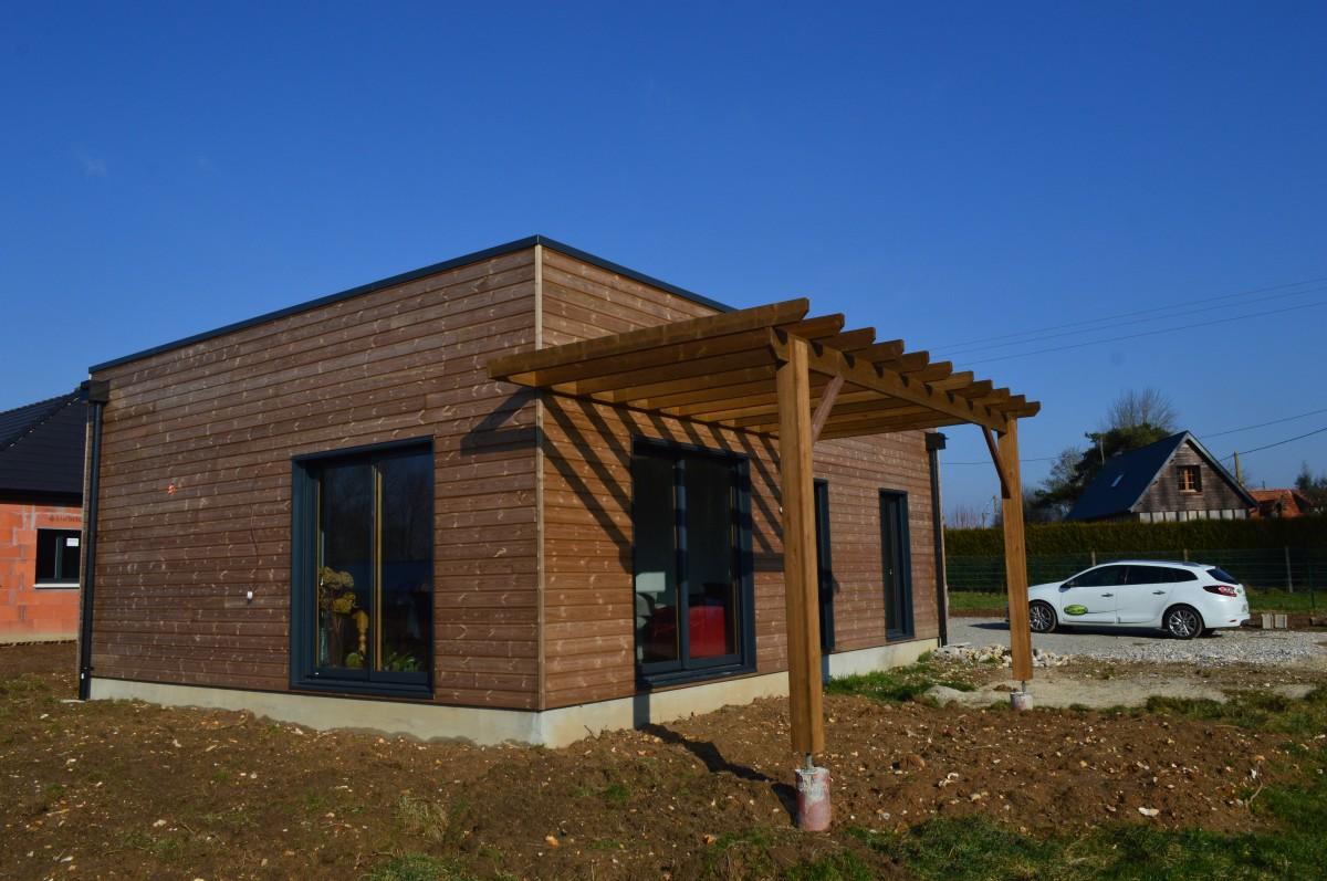 Maison bois plain pied pierville 76730 djsl bois for Maison contemporaine bois