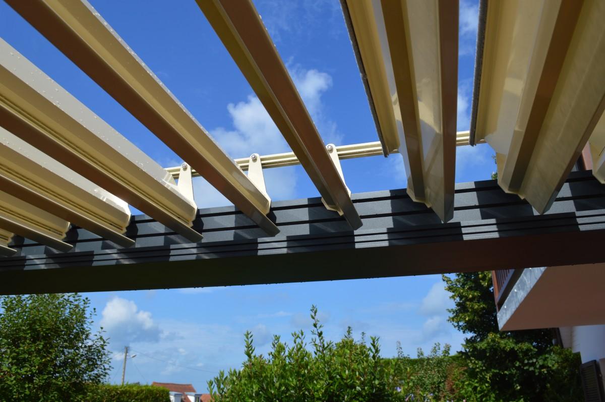 Pergola Bois : Terrasse mélèze et pergola bioclimatique gt djsl bois